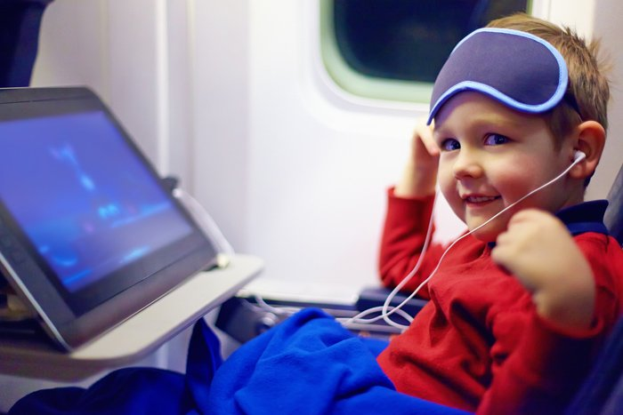 entertaining-kids-on-flight