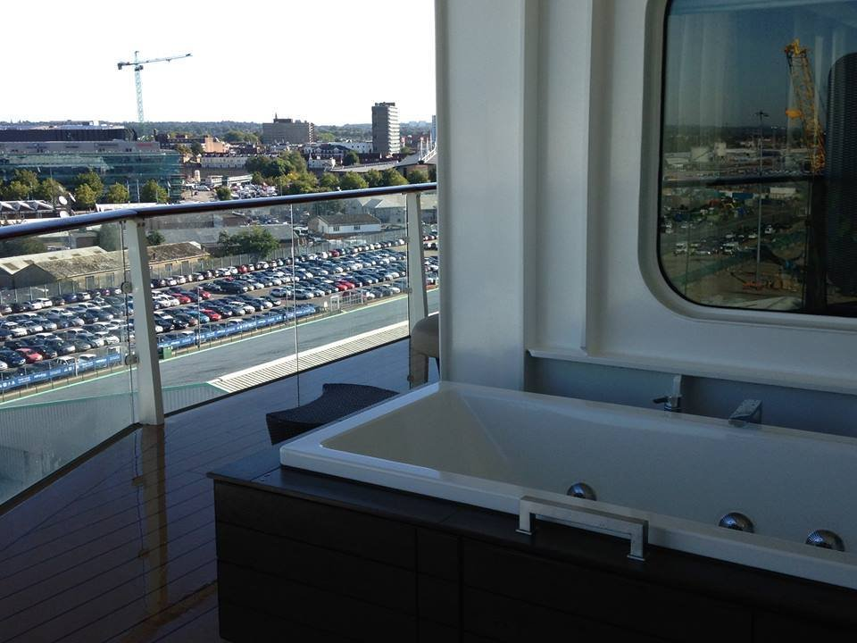 jacuzzi-on-balcony-celebrity-cruises