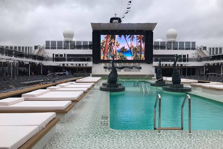 msc-bellissima-pool-deck