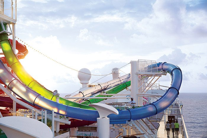 norwegian-cruise-ship-water-park