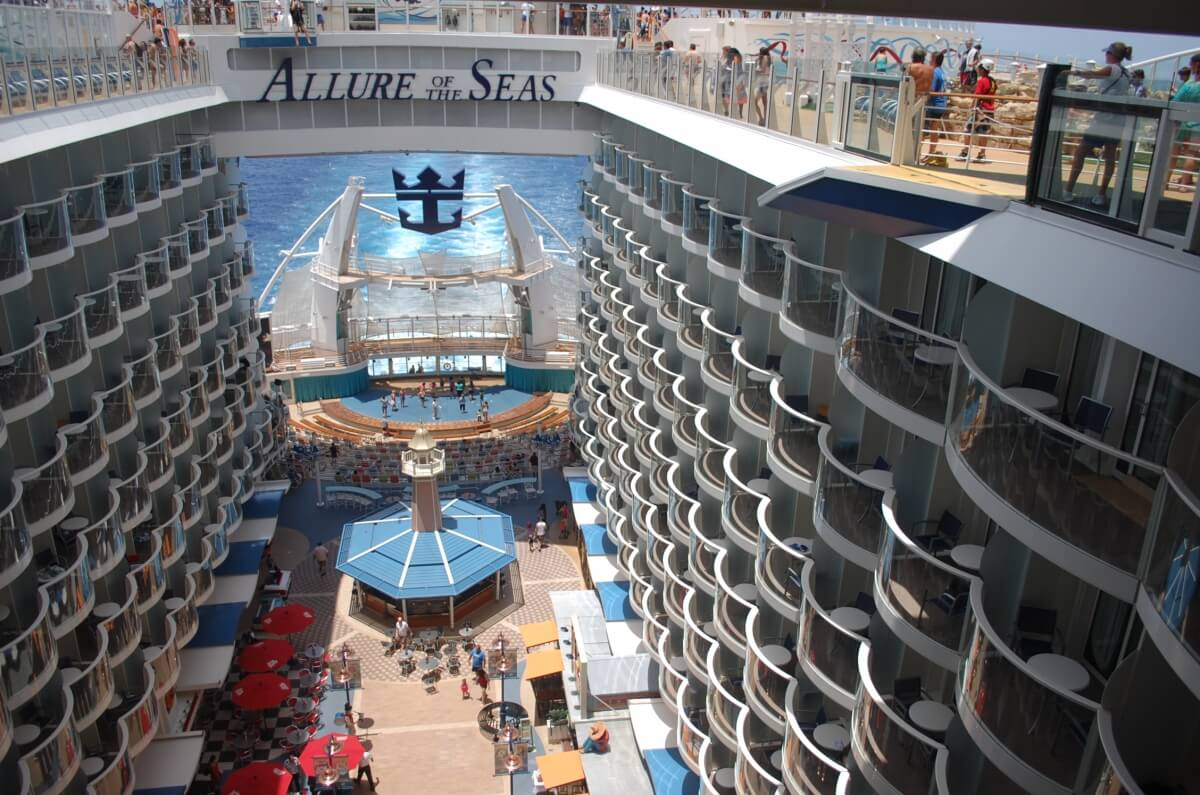 ROYAL CARIBBEAN FIRST TO USE GOOGLE STREET VIEW