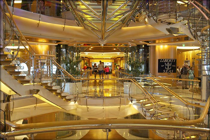 royal-Caribbean-staircase