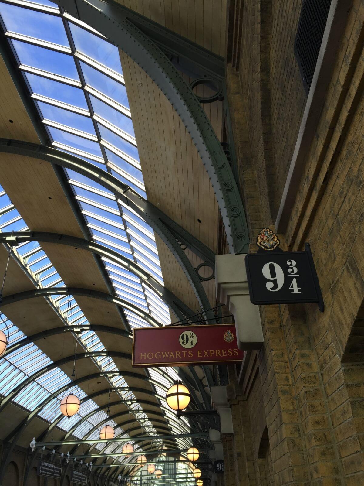 Platform 9 and 3/4s