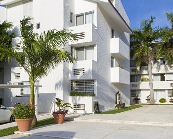 Las Gaviotas Hotel and Suites